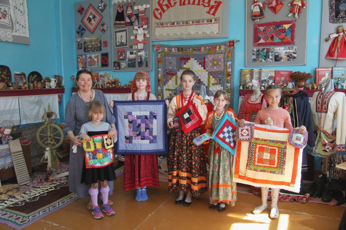 Светлана Валерьевна Белоногова со своими воспитанницами