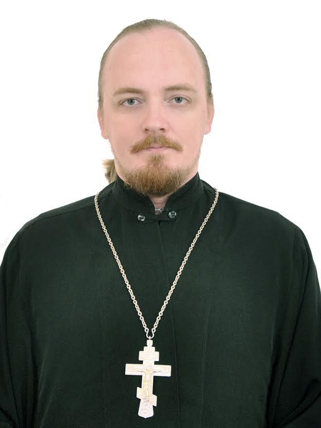Священник Скачать Торрент - фото 11